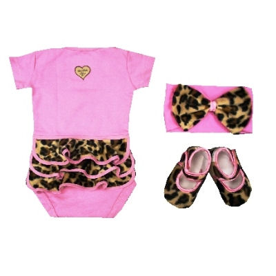 Gift Sets  Baby Girl on Baby Bella Maya Lollipop Leopard Gift Set   The Frog And The Princess